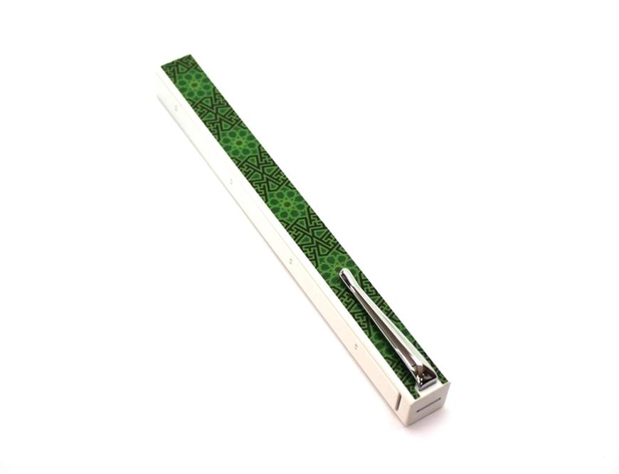 Picture of Penwak Swivel Case PURE WHITE - Arabesque Green