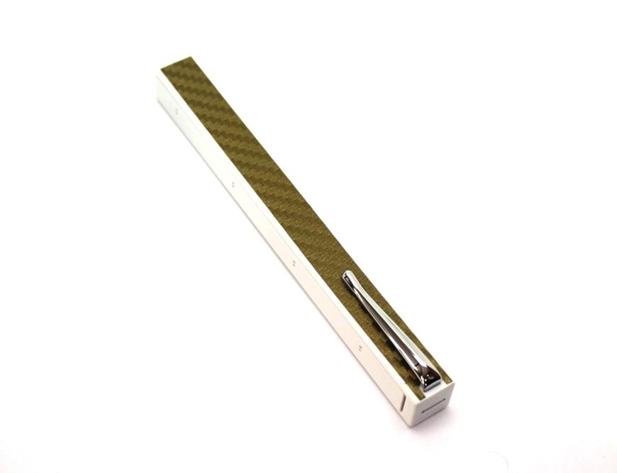 Penwak Swivel Case Pure White Carbon Fibre Metallic Gold