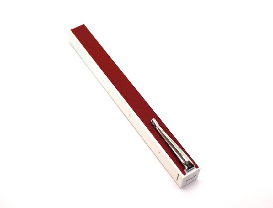 Penwak Swivel Case Pure White Carbon Fibre Red