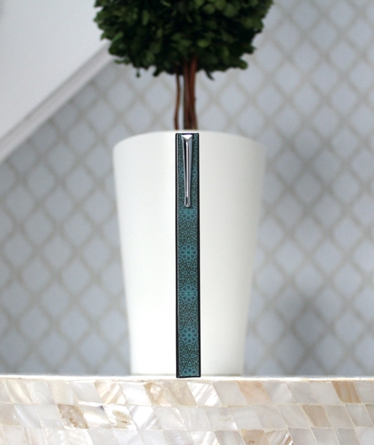 Penwak Swivel Case Glossy Grey Arabesque Teel Standing